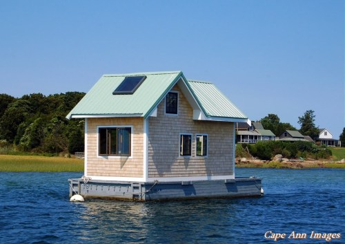 https://eatgrueldog.files.wordpress.com/2016/09/94c23-houseboat.jpg?w=500
